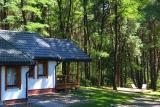 POKÓJ NR 3 Z TARASEM Usytuowanie na pagórku pozwala zaglądać głębiej w las Puszczy Solskiej.